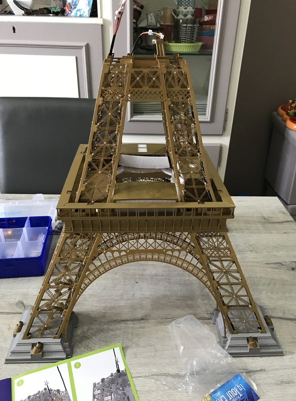 Numéro 75 - Je construis la Tour Eiffel - Le Corbusier Img_6310