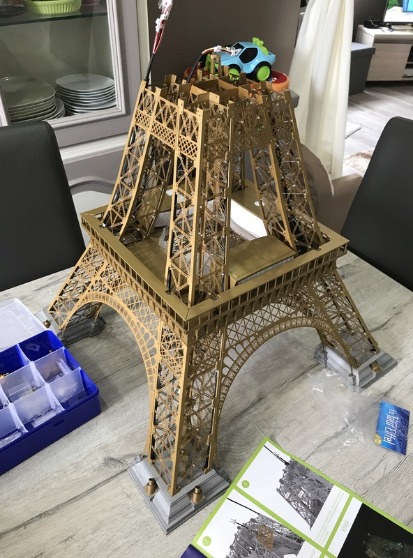 Numéro 75 - Je construis la Tour Eiffel - Le Corbusier Img_6311