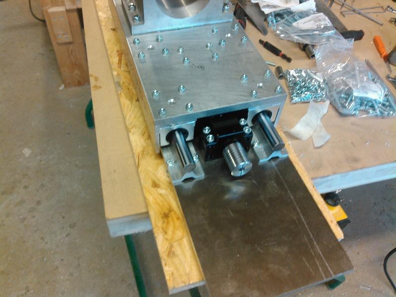 Conception CNC pour atelier - Page 5 Kimg0236