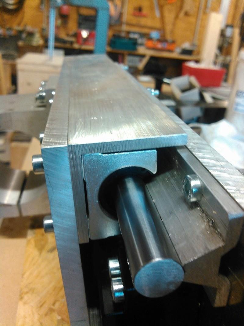 Conception CNC pour atelier - Page 5 Kimg0239