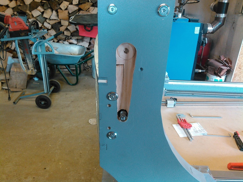 Conception CNC pour atelier - Page 6 Kimg0245