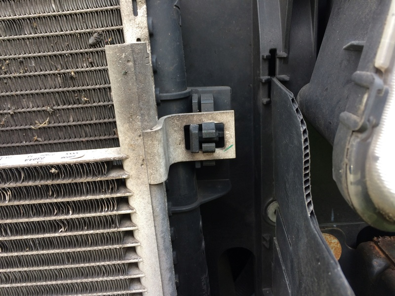 TUTO - Remplacement du condenseur de Climatisation Img_1035