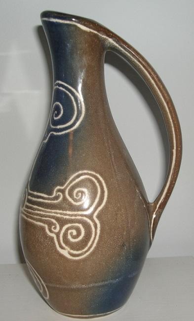 Marie Stuart, Roscoff Pottery, Brittany, France Dsc07511