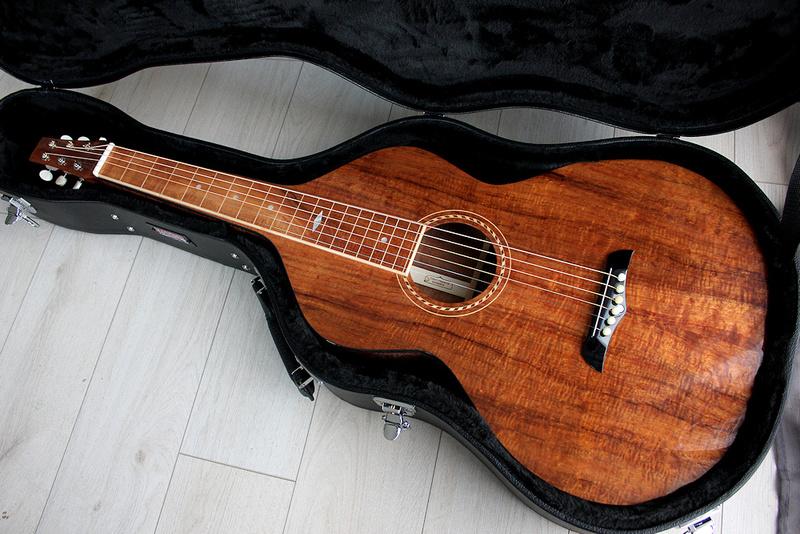Je ne recommanderais pas.....ce luthier, la capitale de son pays est la plus éloignée de ma résidence d'été , 19186 km! - Page 6 Tof1010