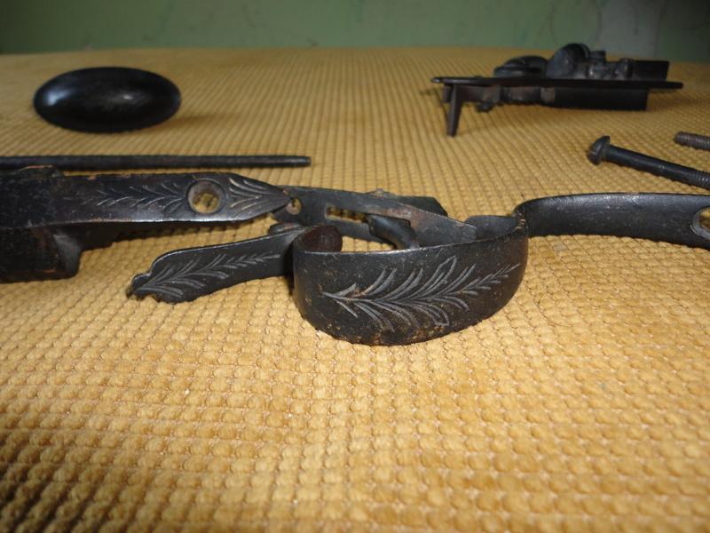 Pistola de pedernal hallada en cueva de Sonora Dsc06212