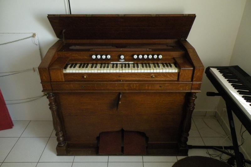 "Harmonium  ""Metzner-LeBlanc""  Dscn5712"