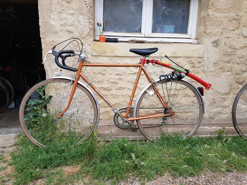 Le vélo de madame sans identité  20170612