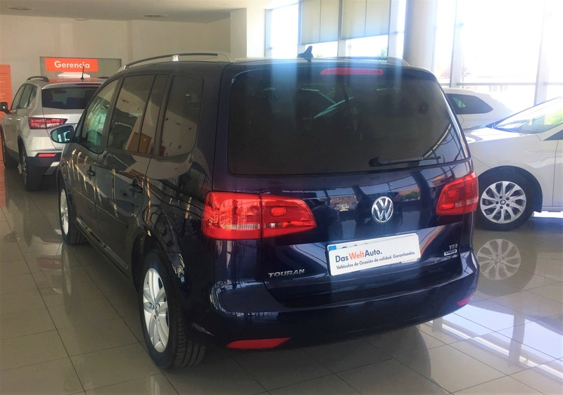 VW Touran 1.6TDI 105cv Bluemotion 310