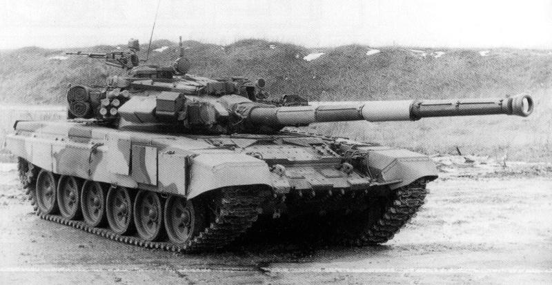 سؤال عن دبابة Pzavm010