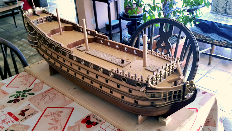 Le HMS Prince 1670 de Constructo au 1/61e de Captain Chris - Page 3 Ensemb11