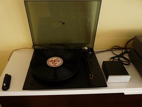 Vendo plato Rega P3 con capsula Benz Micro y previo phono 35664511