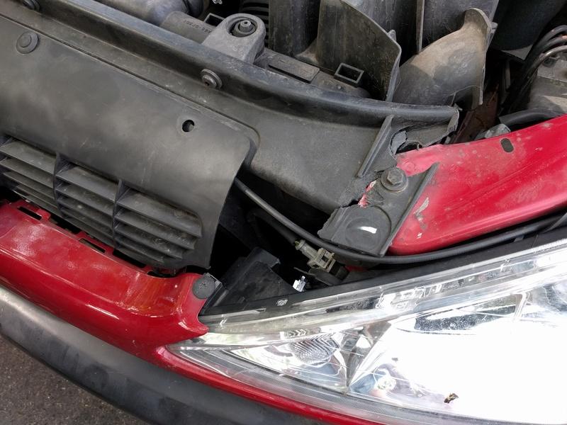 Besoin d'aide pour réparation d'une 206 Img_2013
