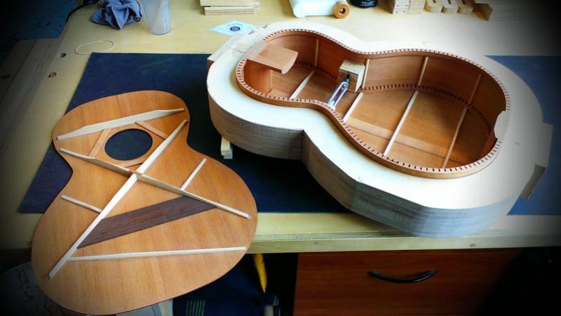 Présentation du luthier Théo Kazourian Imag3513