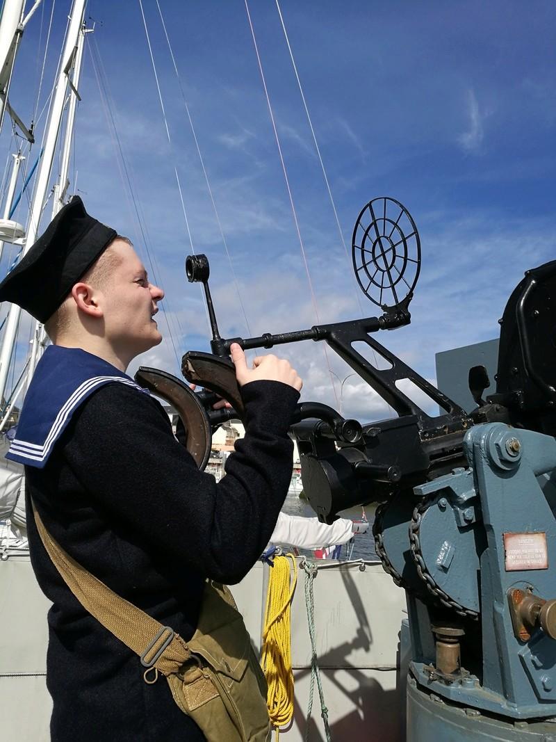 Préparation d'équipages de marins WW2 Img_2010
