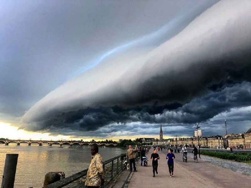 Orage sur Bordeaux Captur12