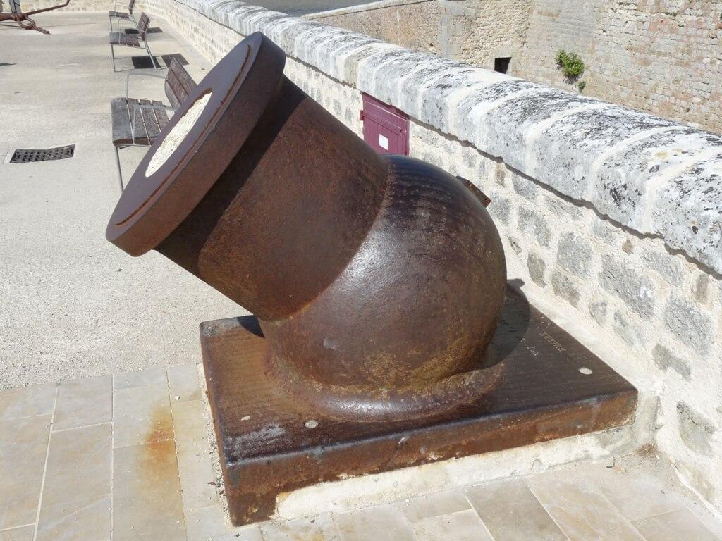 """Réalisation des mortiers de 12 à plaque pour """"La Salamandre"""" 1752. M00710"""