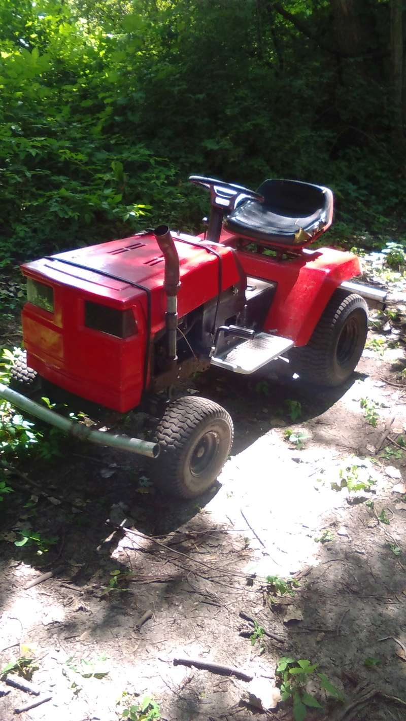 Joining from michigan (plus pics of my 1st custom craftsman tractor) Kimg0812