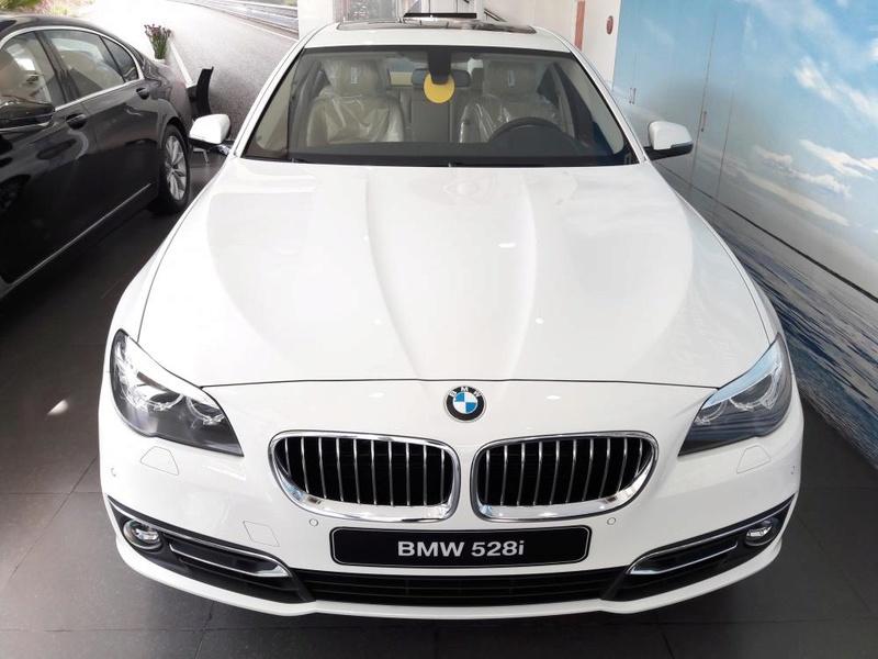 بي ام دبليو BMW 520i 2017 000010