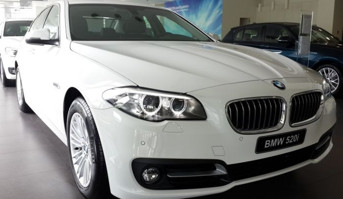 بي ام دبليو BMW 520i 2017 00011