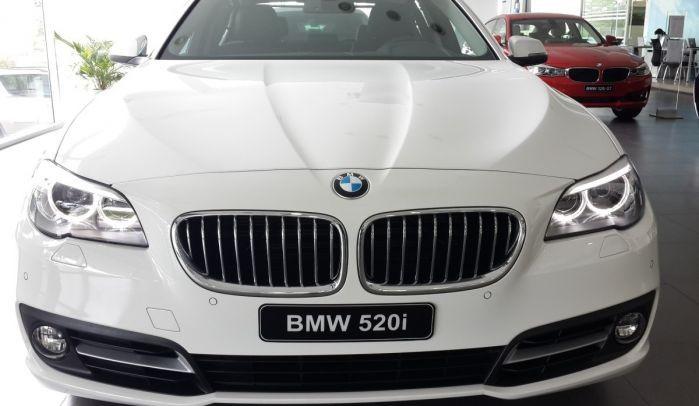 بي ام دبليو BMW 520i 2017 0012