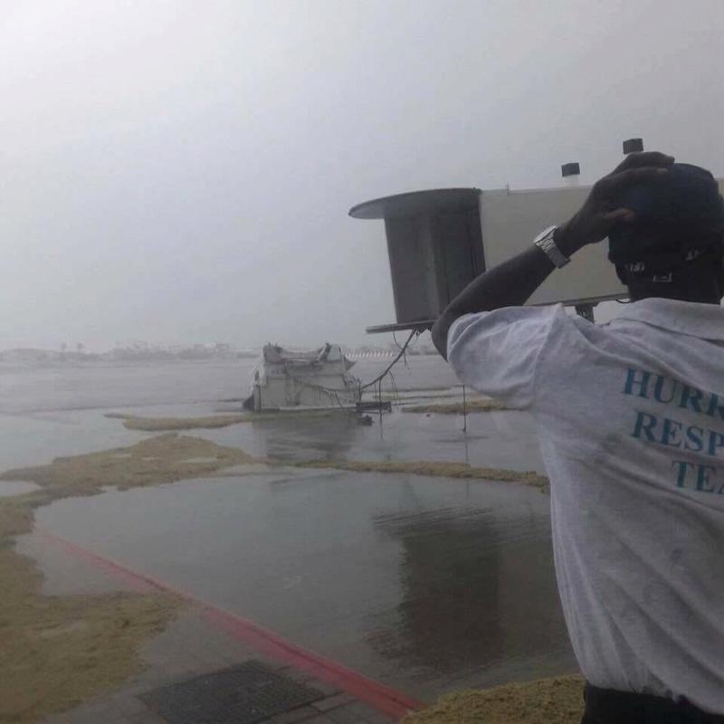 St Marteen sofreu com o furacão Irma Djecbu10