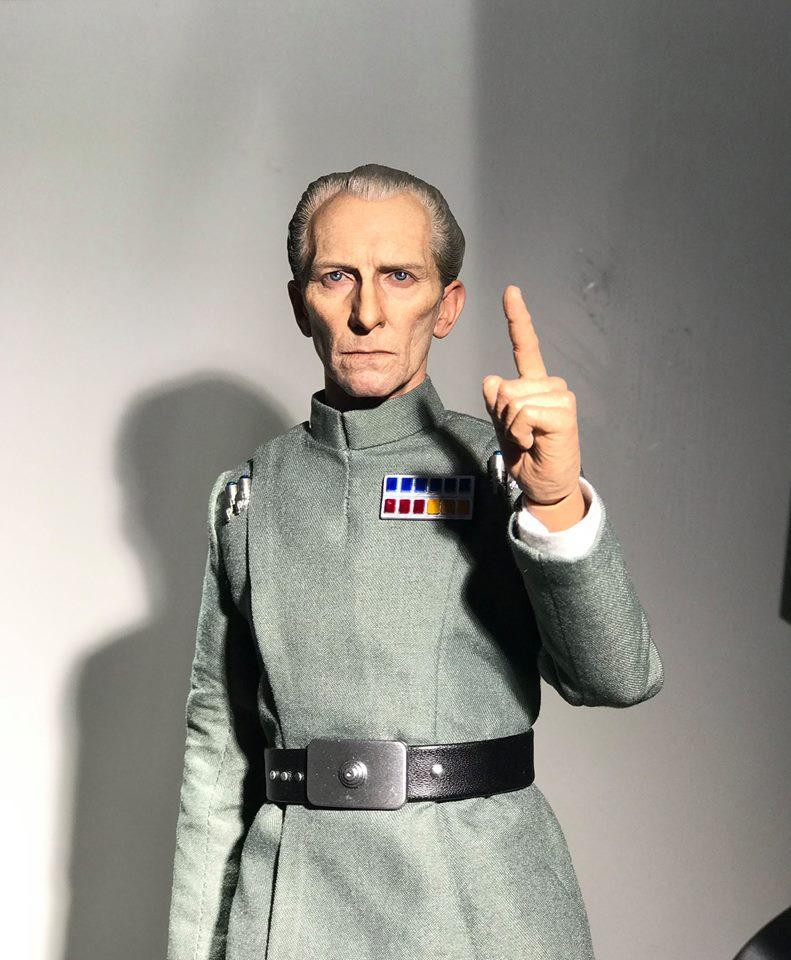 [Hot Toys]- Star Wars EP IV - Grand Moff Tarkin 1/6 20708110
