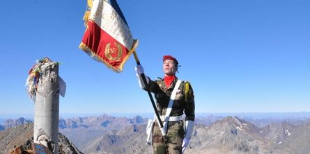 Quand tout un régiment, le 1er RCP...part à l'assaut du Vignemale (3298m) le 5/6/7 septembre 1967) Le colonel Aussaresses Chef de Corps du 1er RCP a bien voulu nous donner le secret de cette opération Vignem10