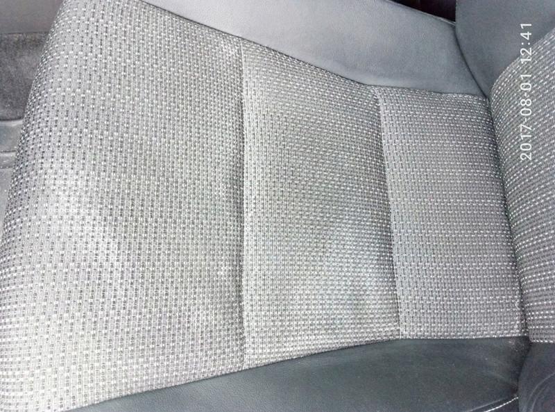 macchie da bicarbonato sul sedile Macchi10