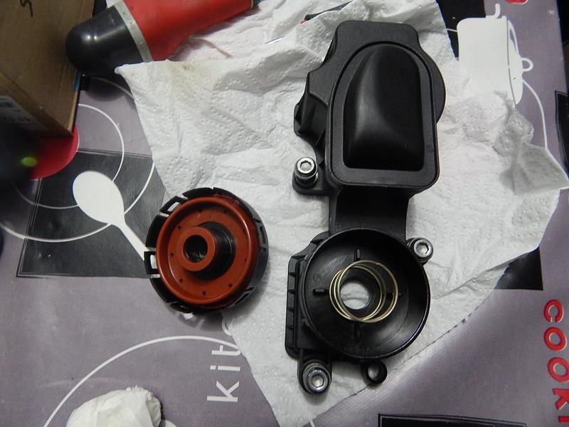 [ BMW E46 320d M47 an 1998 ] Monter un récupérateur d'huile (résolu) Dscn5612