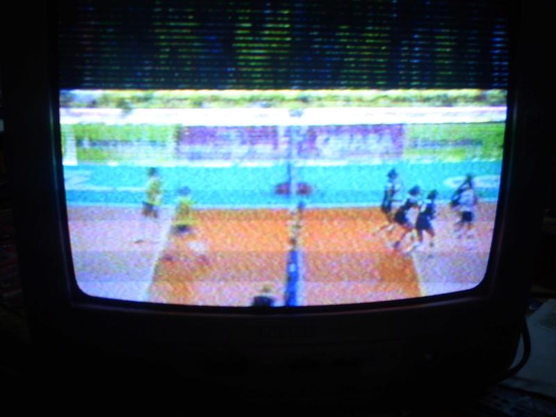 Tv PHILIPS 14PT3336/78 COM LINHAS DE RETRAÇO NA PARTE DE CIMA DA TELA Pict4415