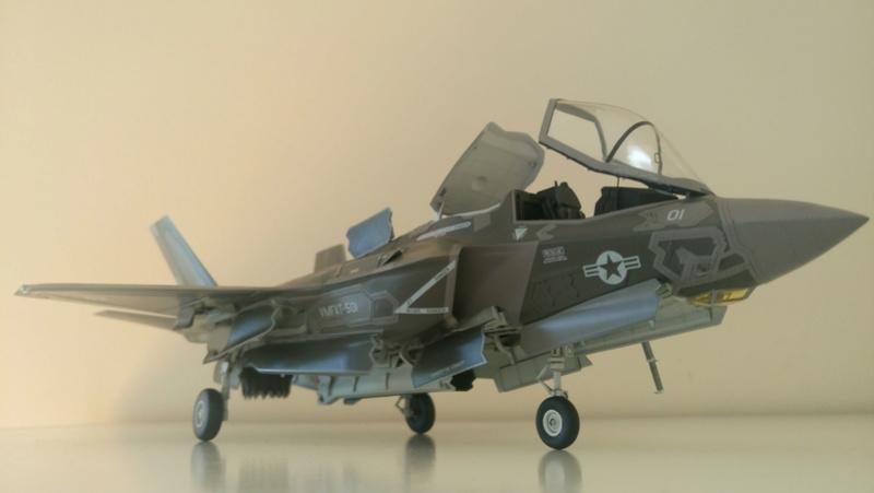 F-35B KITTY HAWK 1/48 - Σελίδα 2 Dsc_0213