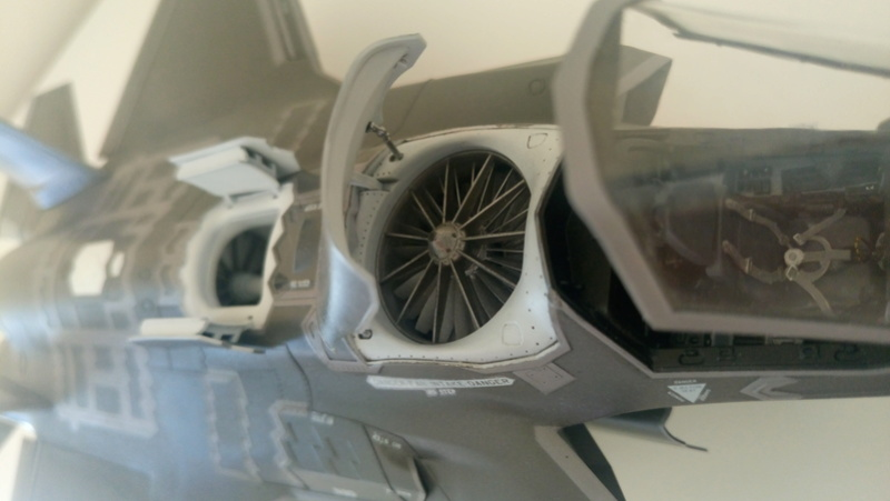 F-35B KITTY HAWK 1/48 - Σελίδα 2 Dsc_0229