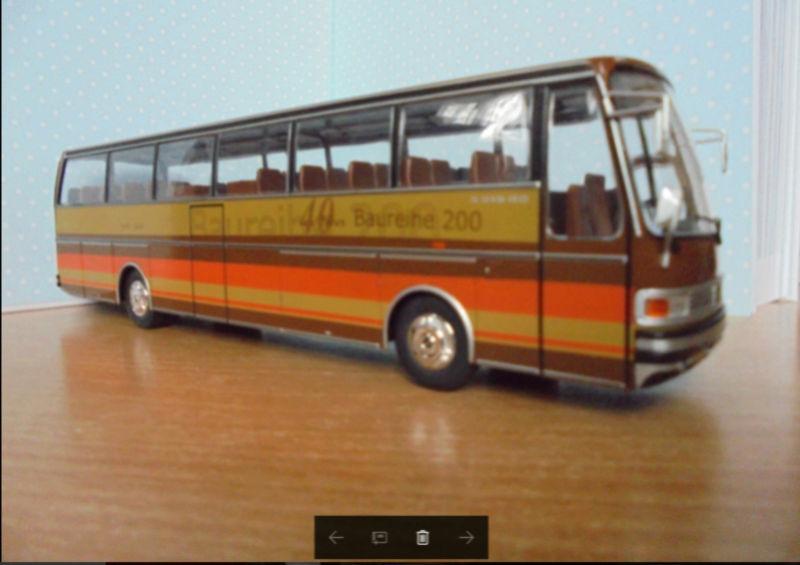 Les cars et bus miniatures S215hd10