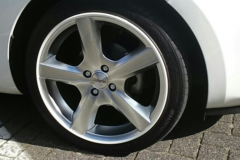 Alloy wheel scuff Velg_n10