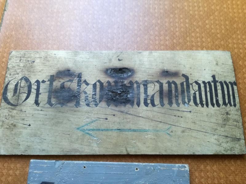 Identification pancartes Allemandes  Img_2665