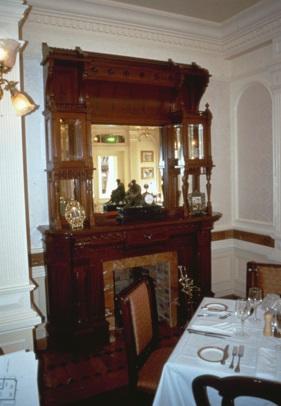 (Histoire) Lilly's Boutique a remplacé une salle du Walt's - An American Restaurant 1992_l10