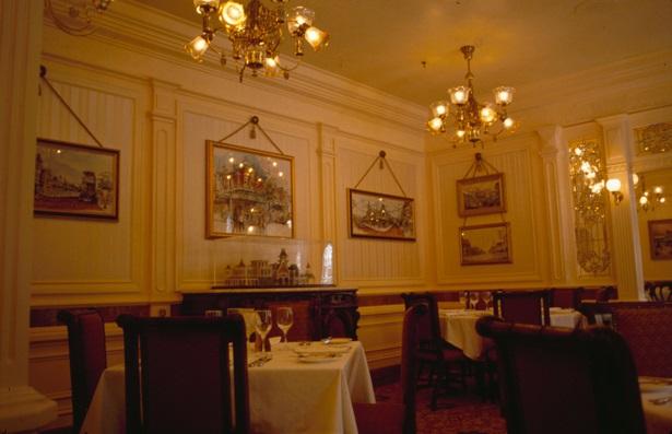 (Histoire) Lilly's Boutique a remplacé une salle du Walt's - An American Restaurant 1992_m10
