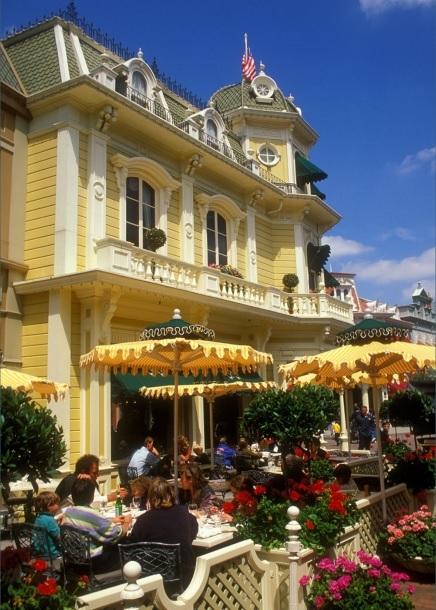(Histoire) Lilly's Boutique a remplacé une salle du Walt's - An American Restaurant Walt_s15