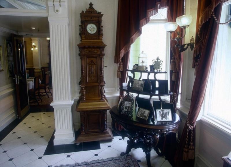 (Histoire) Lilly's Boutique a remplacé une salle du Walt's - An American Restaurant Walt_s16