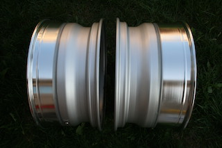 19 inch Work VS-XX, powder-coated grey, 5x114.3, 19x9.5 +19 front / 19x10.5 +17 rear Img_8625