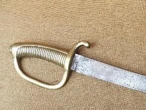 Un sabre Briquet mystérieux ... Sabre11