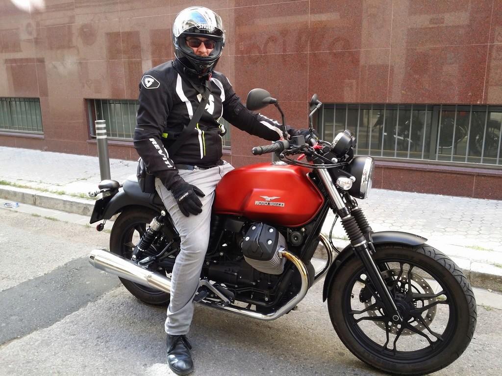 Moto Guzzi Cuestion Huguzz10