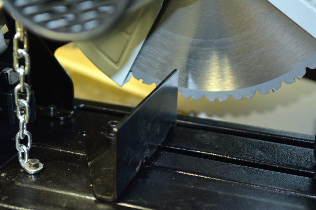 Test de la tronçonneuse métaux Evolution Rage 2 Dsc_7116