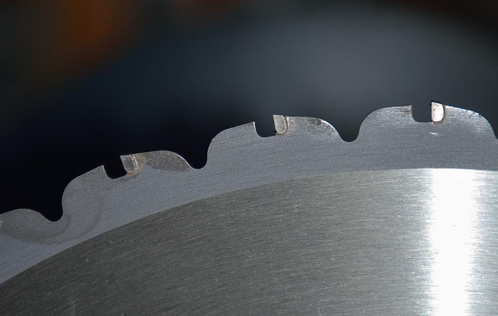 Test de la tronçonneuse métaux Evolution Rage 2 Dsc_7127