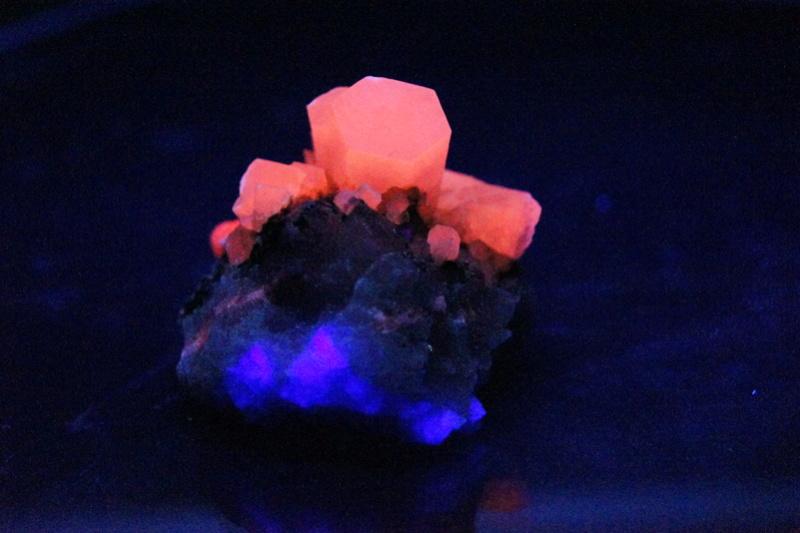 Colección de Minerales Fluorescentes - Página 4 _dsc7610