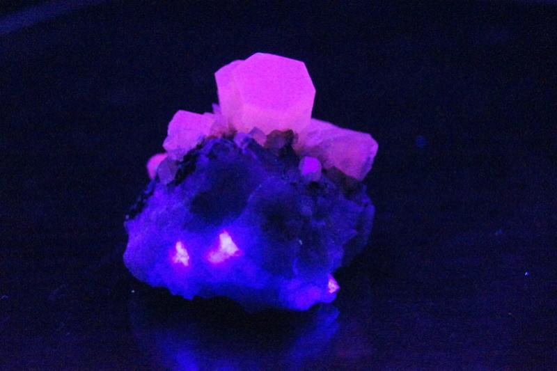 Colección de Minerales Fluorescentes - Página 4 _dsc7611