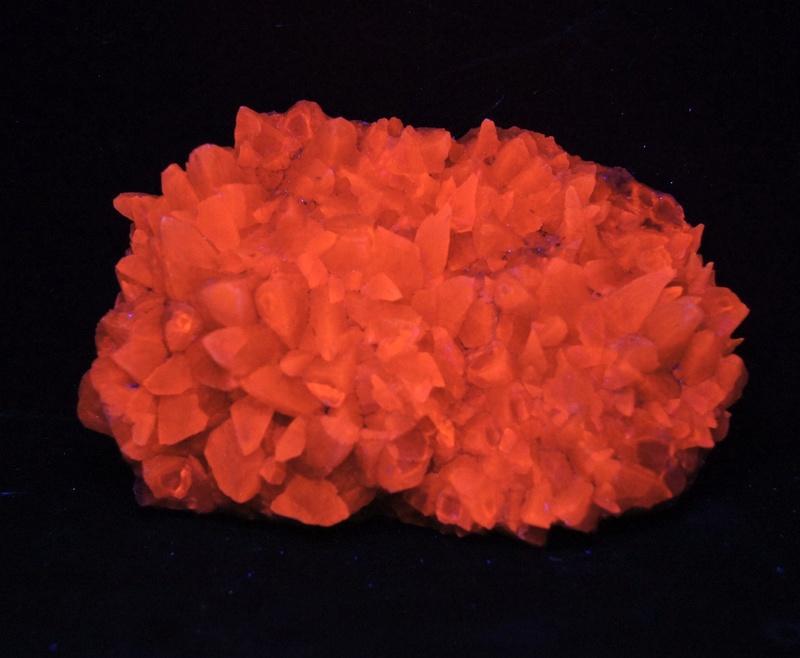 Colección de Minerales Fluorescentes - Página 4 Fullsi53