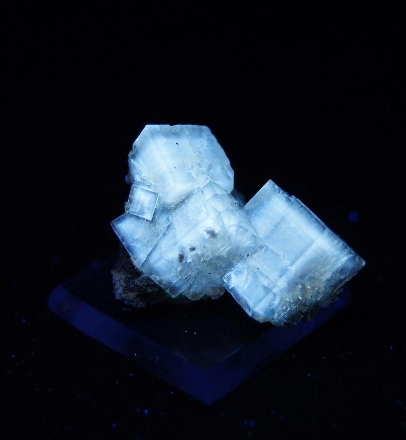 Fotos de minerales fluorescentes Fullsi65
