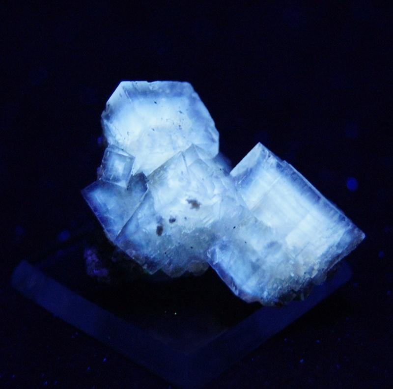 Fotos de minerales fluorescentes Fullsi66
