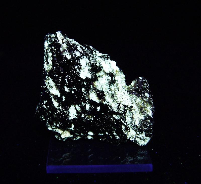 Fotos de minerales fluorescentes Fullsi69